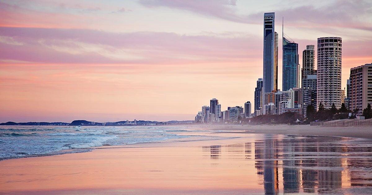 plage au coucher de soleil